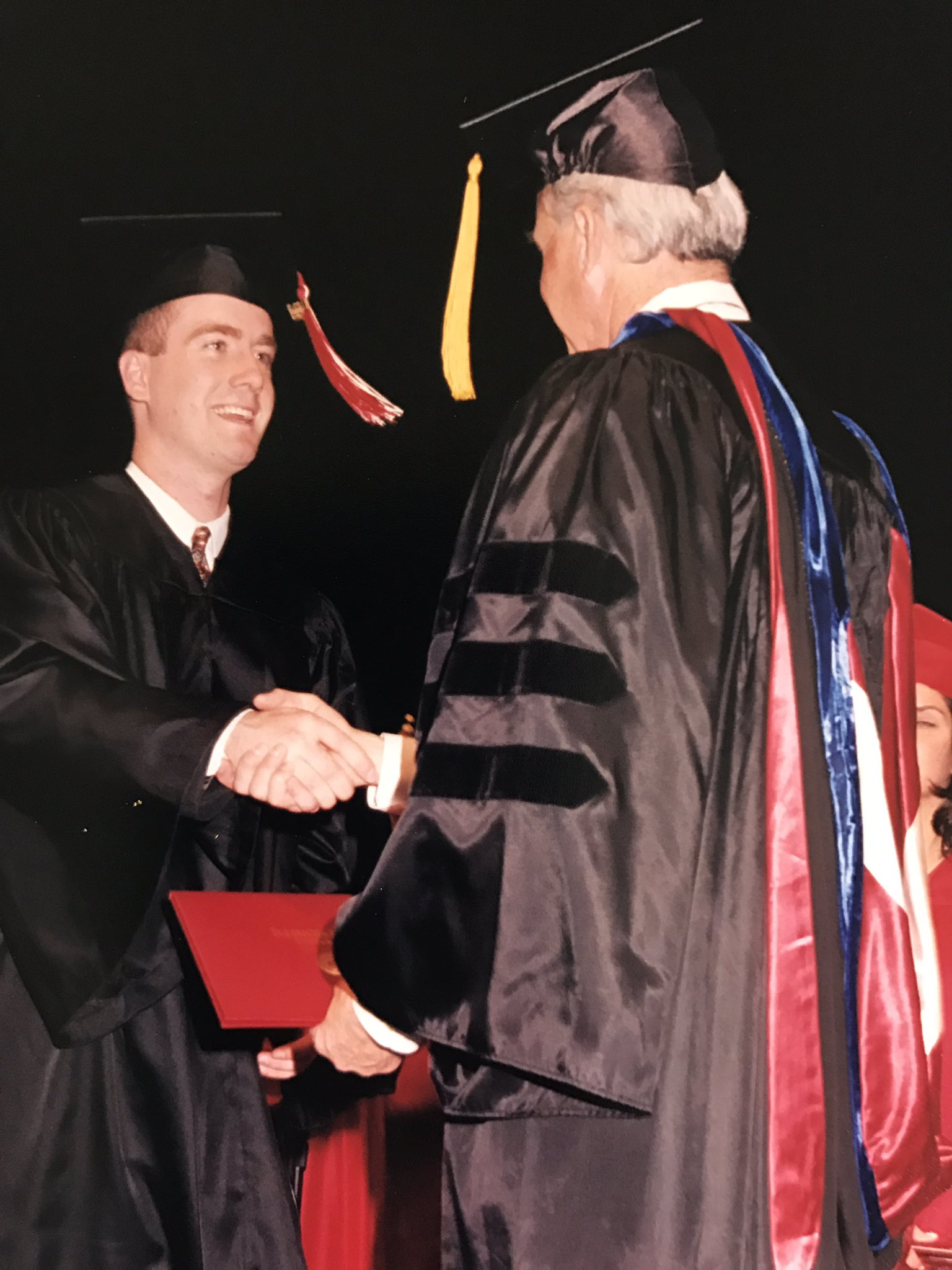 Throw back to my most proud day as an Illinois State Redbird! Loved my time at ISU and grateful for all the great professors. #redbirdsetgo https://t.co/KR3Z6ig2FX