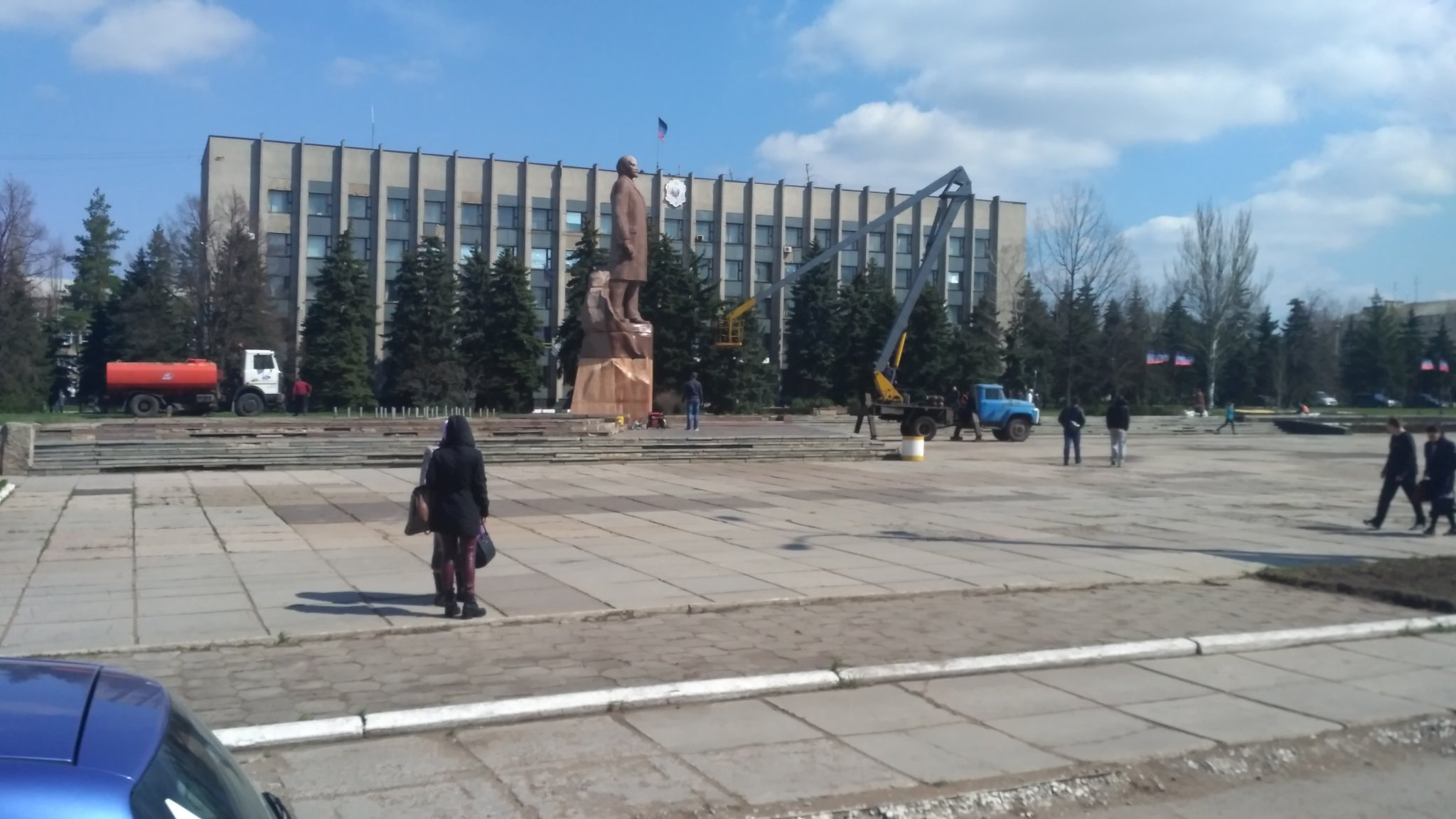 В Горловке моют Ленина