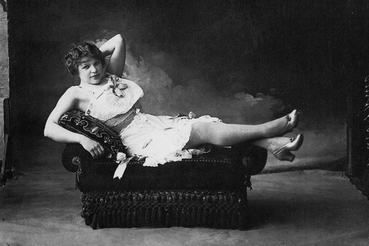 Старинные фото проституток снять проститутку челнах