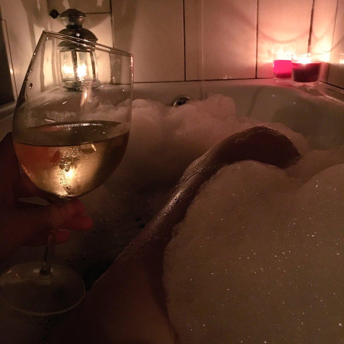 Любительское домашнее фото в ванной #15