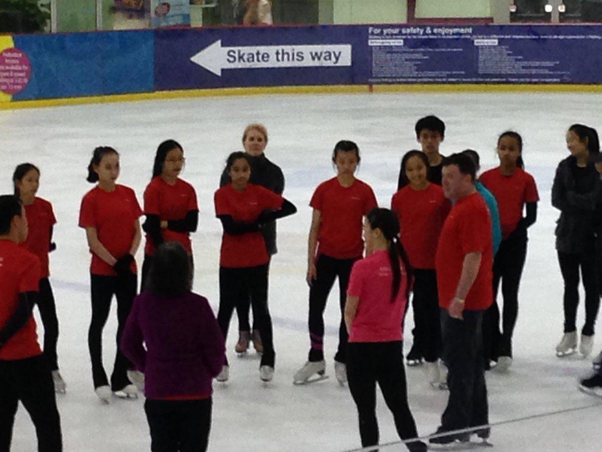 Брайан О́рсер / Brian Orser & Toronto Cricket Skating Curling Club - Страница 3 C9OQ0-yV0AA46tF