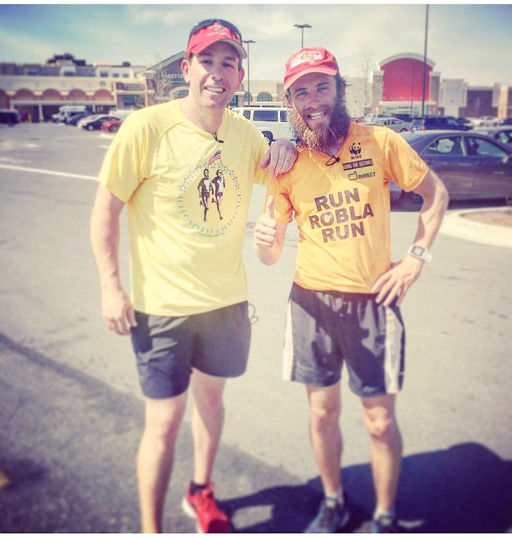Hey @etnow we&#39;ve gotta get this guy together with @tomhanks He&#39;s doing Forrest Gump&#39;s run across America and back! #running #ultramarathon <br>http://pic.twitter.com/WtfqyJ4eHI