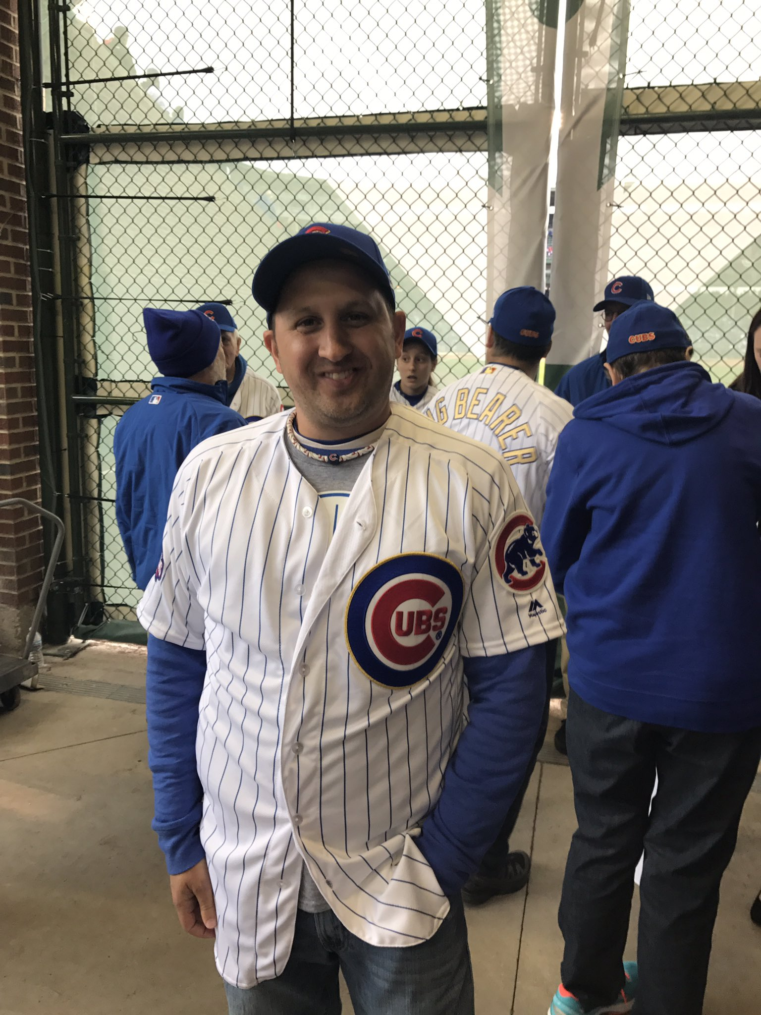 How am I looking?! #Cubs #RingCeremony #cubsringbearer https://t.co/Li9GMxUevd