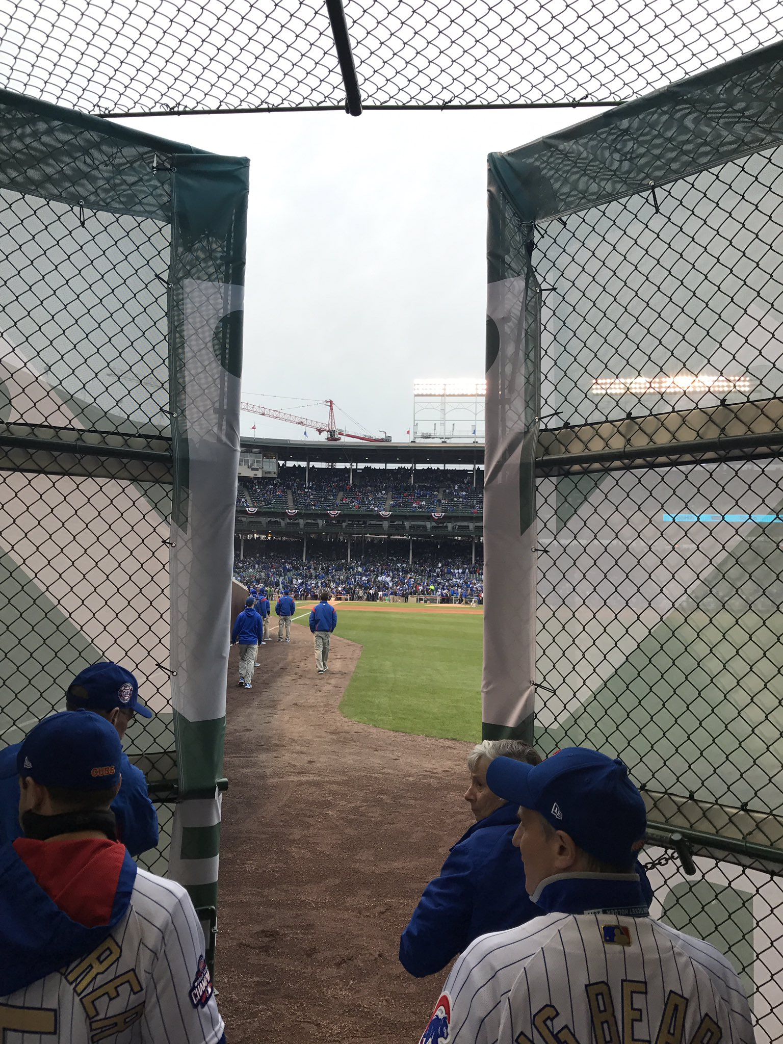 Open the Gates! #Cubs #RingCeremony https://t.co/N5LF6t7XTj