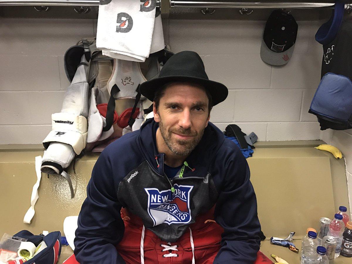 New York Rangers On Twitter Henrik Lundqvist Gets The Nyr