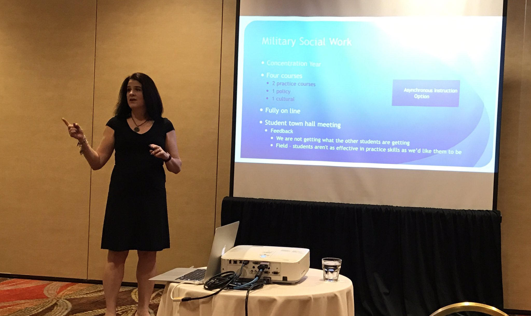 """Blended practice for military concentration #SWDE2017 @SWDEConference @mmt98 """"we need to honor our digitally immigrant colleagues."""" https://t.co/R9WwvB1Bie"""