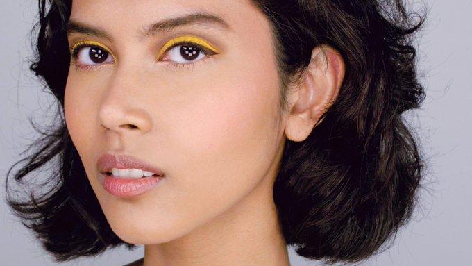 How to wear yellow eyeshadow