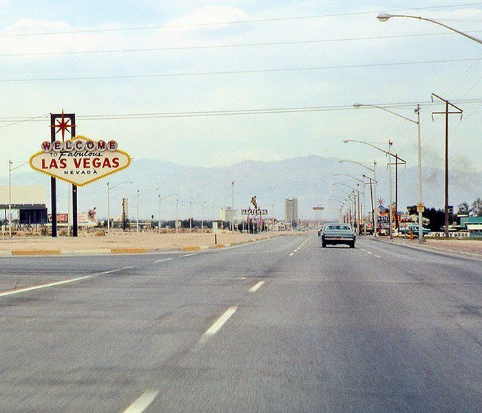 Happy #TBT! Welcome to Las Vegas in 1966!! https://t.co/VWCbVPWlwN