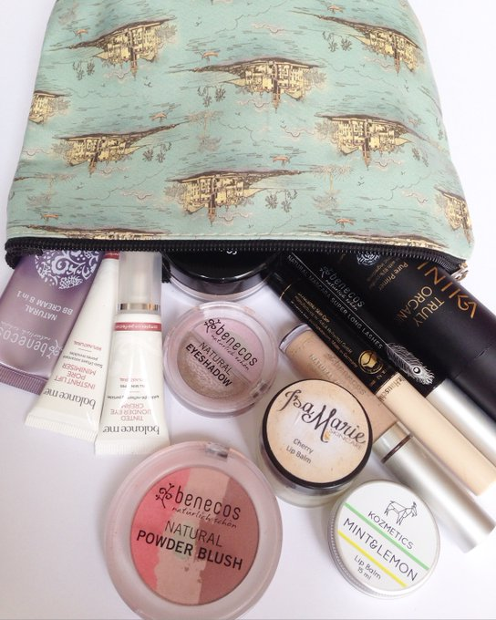 What's in my (natural) make up bag?