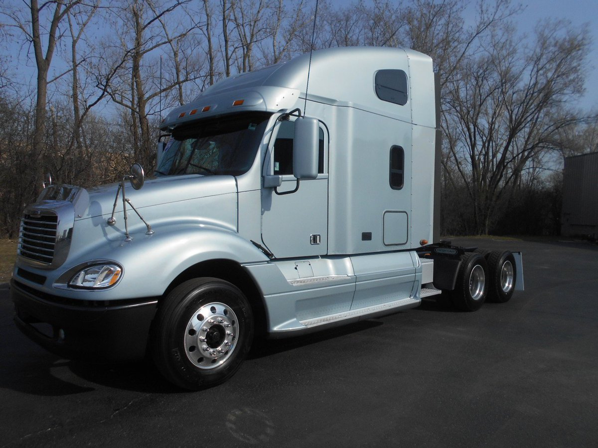 @ForTruckers #truckers #trucklife #trucking #workforyourself #MPG 2014 Freightliner Glider 8 MPG! Detroit 12.7  liter... 2 Available <br>http://pic.twitter.com/QdxrRF91GP