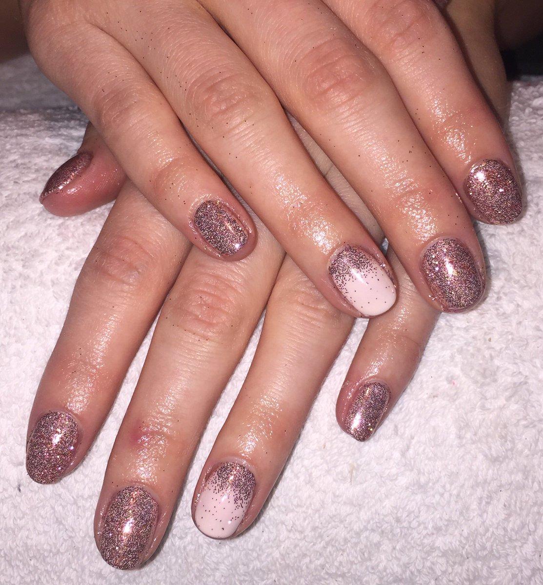 Hidden Beauty On Twitter We Ve Been Using Lots Of Our New Rose Gold Glitter Today Lecente Cnd Shellac Nails Rosegold Hiddenbeautyambleside
