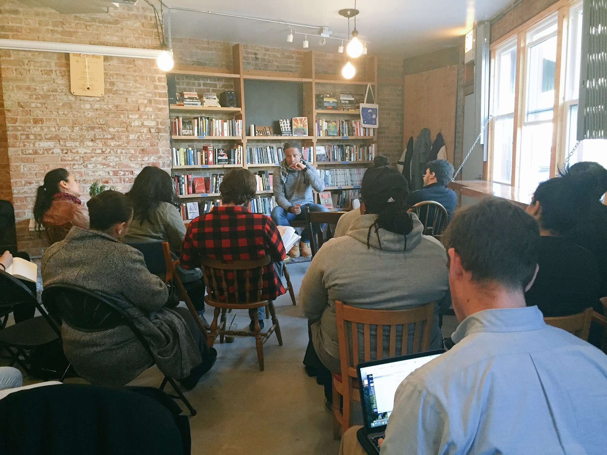 """We're at the #PublicNewsroom w/ Dr. David Stovall on schools, conflict, """"multi-layered lives and multi-layered articulations"""" in Chicago https://t.co/6vi2snyaH8"""