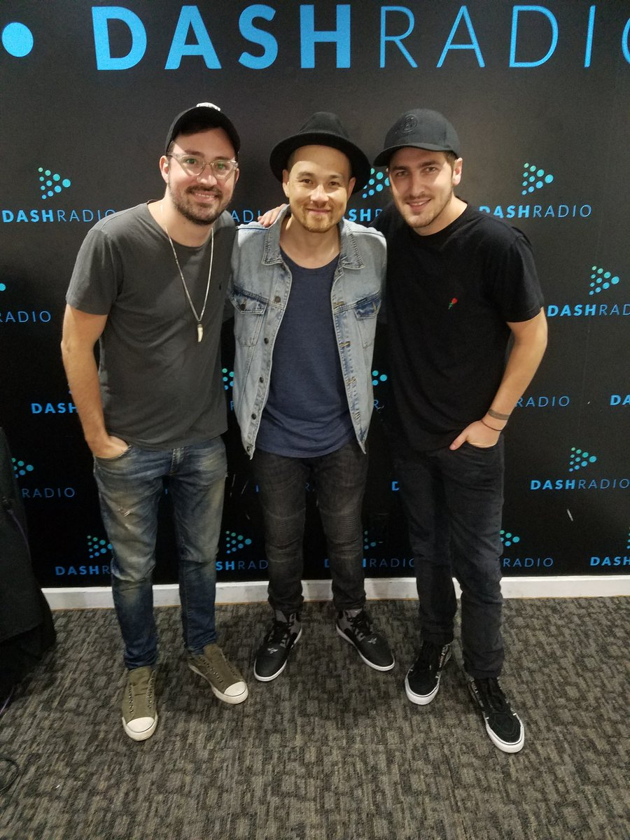 Always good hanging with my boys @HeffronDrive tune in tonight 9p https://t.co/zTijOUNfWr @dash_radio