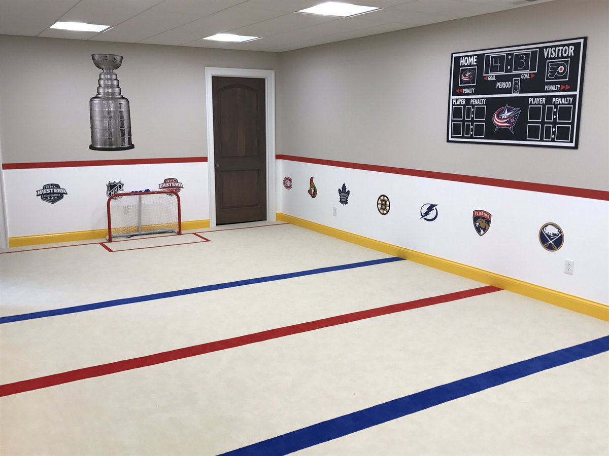 Sons playroom is coming together #kneehockey #gameon https://t.co/wT6Ss7BpD5