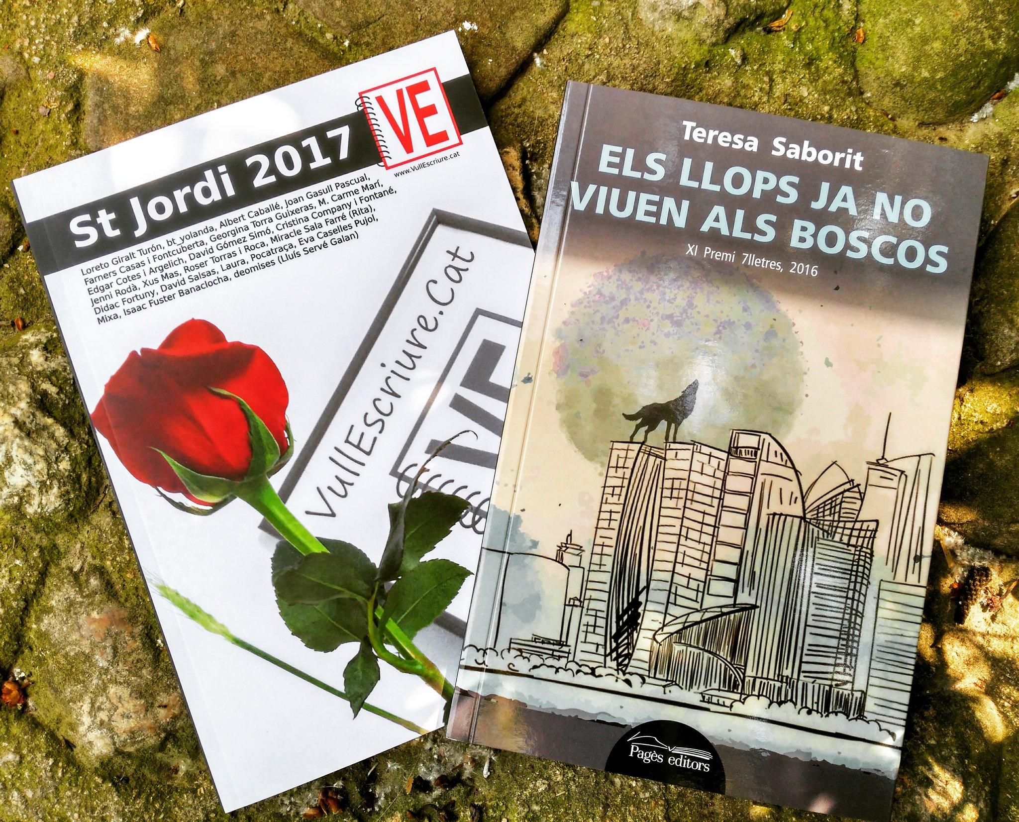 Els meus llibres de #SantJordi: #VullEscriure i #elsllopsjanoviuenalsboscos! Se us acudeix millor companyia? 😉🐉🌹📚 https://t.co/NjvjlTYeoS https://t.co/suVEnehPxL