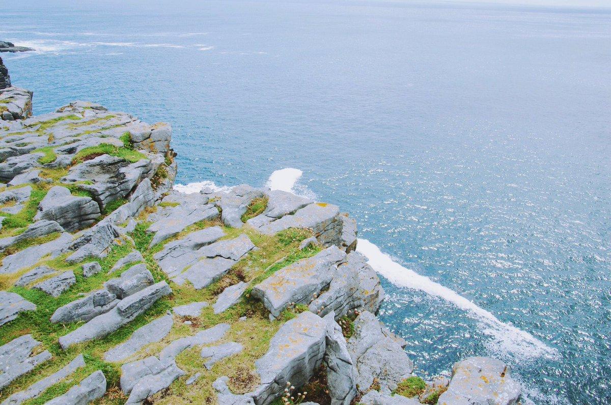アラン諸島の写真、ほかにないかしらとデジタル写真のフォルダをひっくり返しても、ほとんど石垣、牛、草花、断崖絶壁しか出てこない