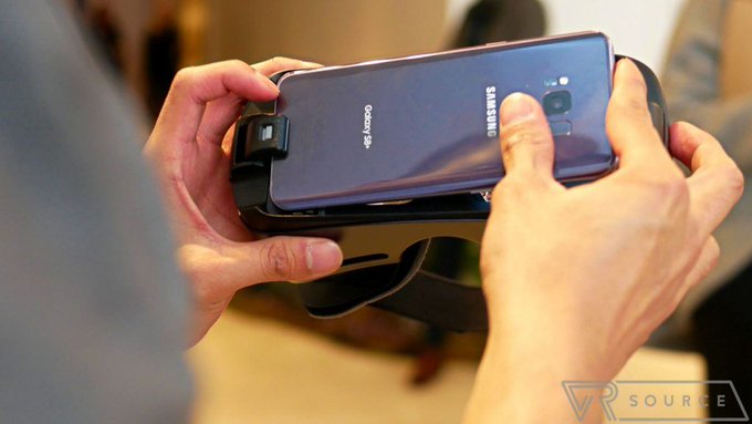 Dev finds way to get Gear VR to work with non-Samsung phones