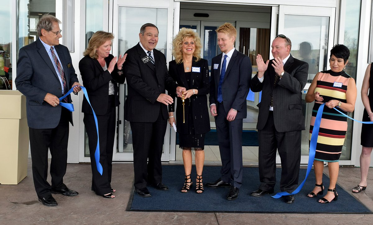 noblesville hashtag on twitter had the pleasure of cutting the ribbon for the hiexpress noblesville hotel great new hotel near exit 210 bit ly 2pf25gb pic com