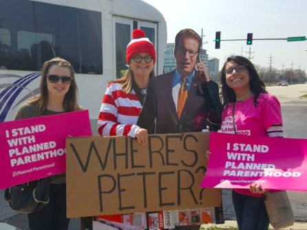 Where in Illinois is @PeterRoskam? Not with constituents. @PPIAction has searched high & low with no luck! #ResistanceRecess #IStandWithPP https://t.co/vKziITb4yg