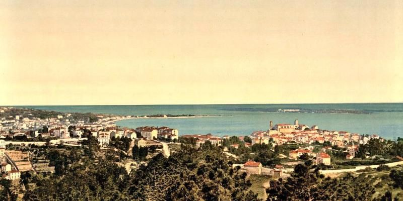 What did #Cannes look like in the 19th century? Here&#39;s the answer... in colour! via @Nice_Matin   http:// bit.ly/2ou3ISL  &nbsp;  <br>http://pic.twitter.com/VMtbK7L7bN