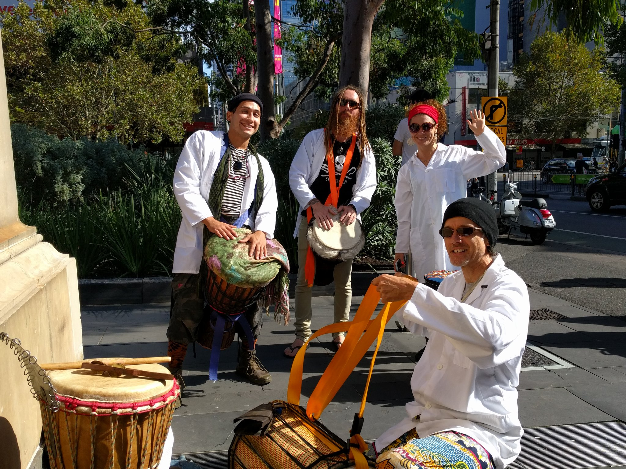 Melbourne Djembe marching and drumming at #marchforscience #Melbourne https://t.co/31poY2ZdeW