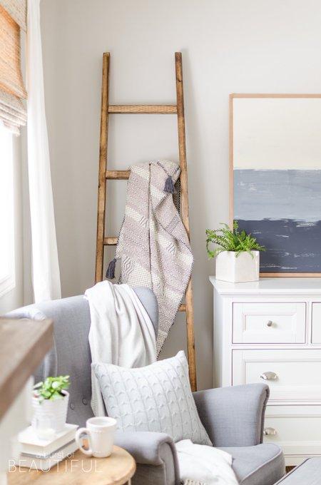 Simple DIY Angled Blanket Ladder