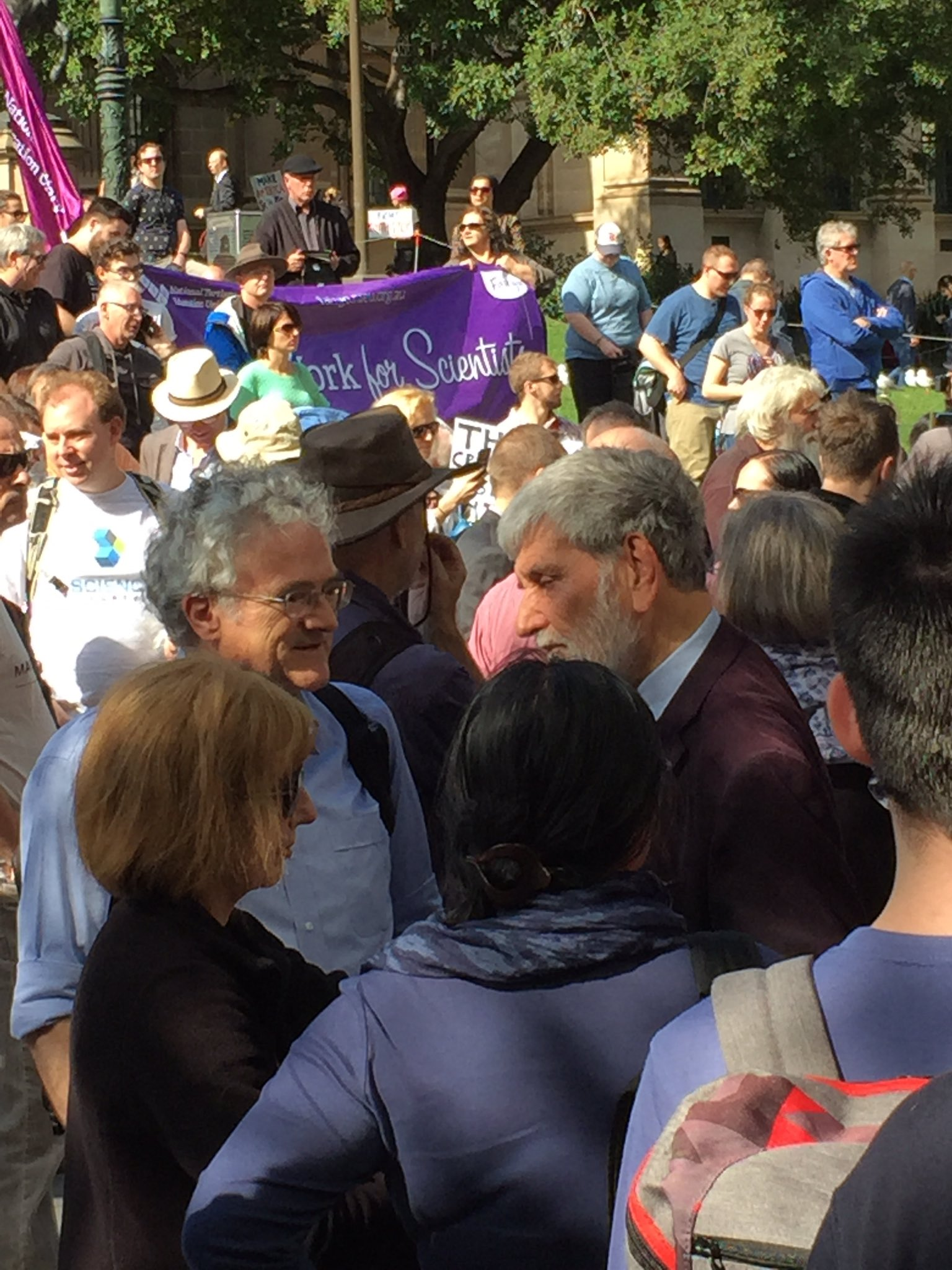 Barry says opinions and facts never ought to be conflated #marchforscience #Melbourne I failed to get science on the political agenda https://t.co/RvcKqsUeYT