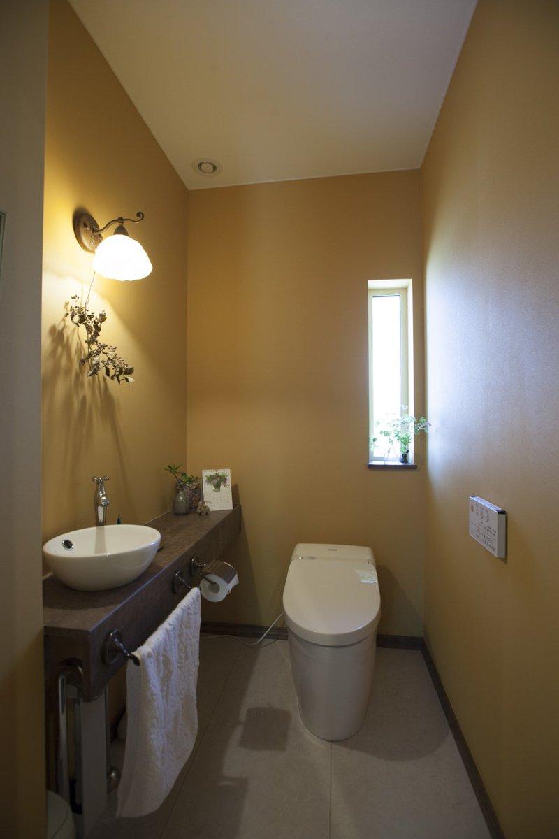 Hokushu 北洲 Twitterissa 好きな色を 好きな場所に グッドエイジング Hokushu 北洲 北洲ハウジング Haluka ハルカ はるか 住まい 家 ライフスタイル 素敵 おしゃれ 北欧 ヨーロッパ 壁紙 クロス 黄色 壁 手洗い トイレ 水周り かわいい