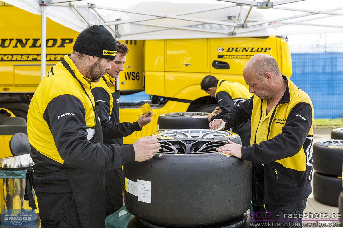 #Clubarnage #FIAWEC Dunlop has been busy over the winter  http:// clubarnage.blogspot.co.uk/2017/04/wec-20 17-dunlop-have-been-busy-over.html &nbsp; …  #wec #dunlop #endurance2017 #6hSilverstone #Autosport<br>http://pic.twitter.com/l7q0yVx447