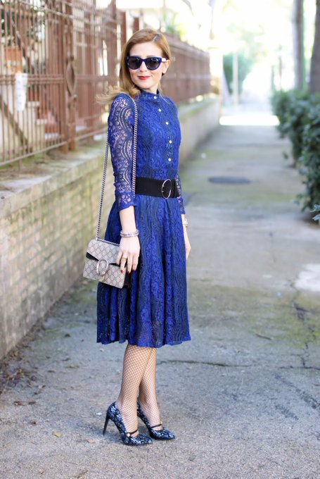 What to wear on Easter: blue lace dress