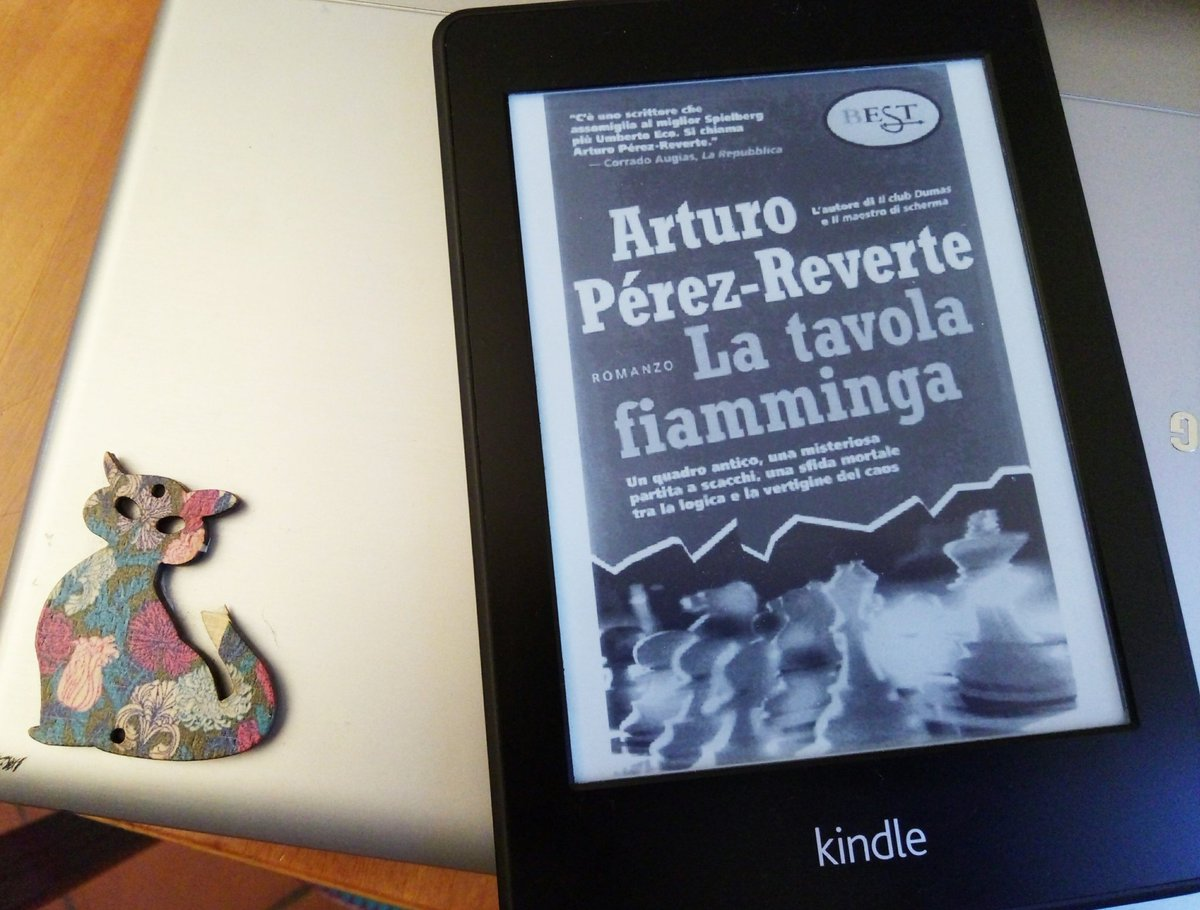 #Perez-Reverte #Latavolafiamminga  when #thecatandtheyarn is not #crocheting. #Reading #read #books #ebooks #Kindle #lire #leggere<br>http://pic.twitter.com/h2SMWsYZKy