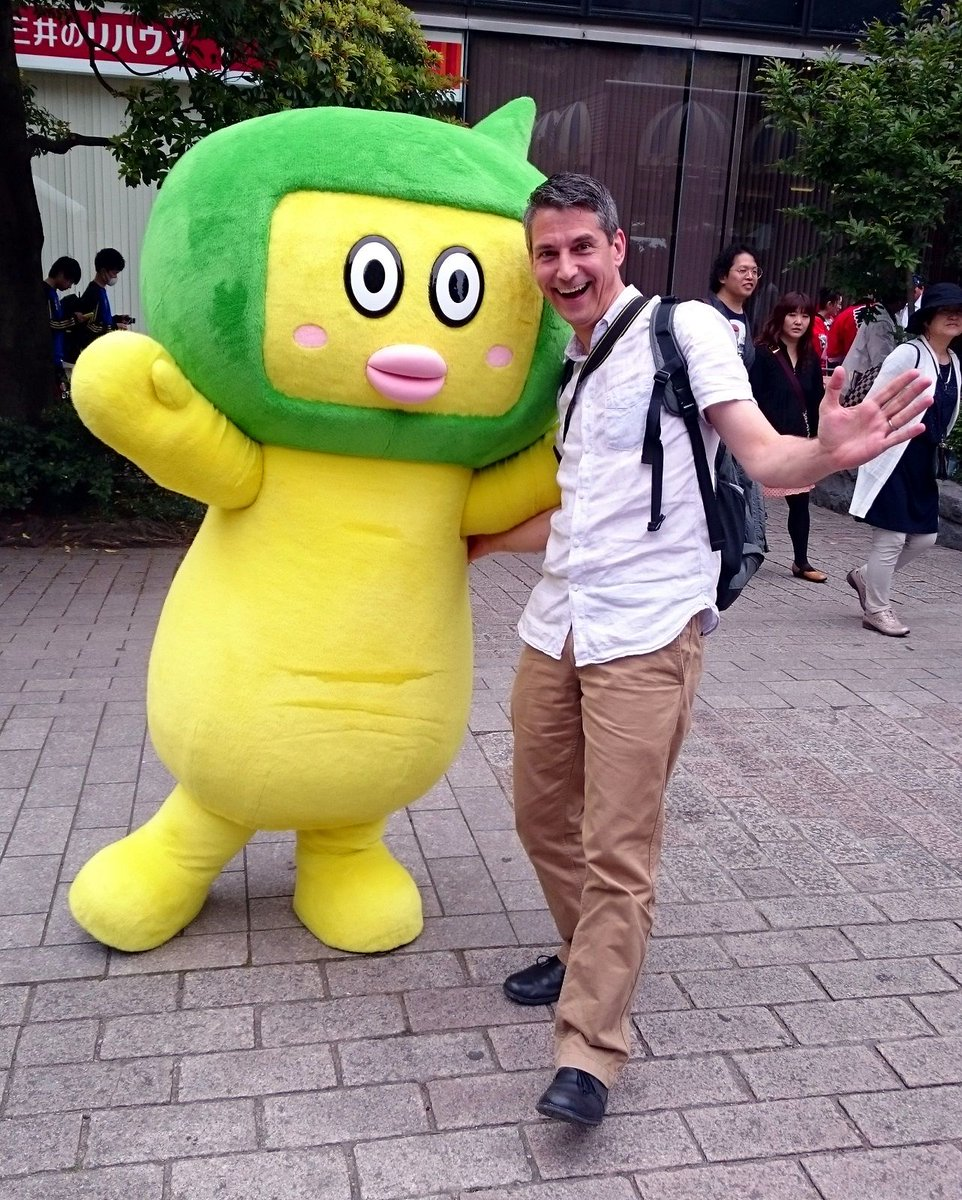 Happy Saturday!  Here&#39;s a photo of me dancing with the NHK TV mascot. Hope it contributes to a great weekend :-)  #Japan #NHK #mascot #TRJ<br>http://pic.twitter.com/0ozBhyjYXe
