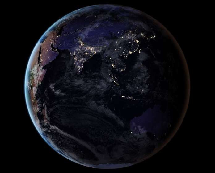 Cool new picture of nighttime #Earth from space! https://t.co/3hB19Ozf...