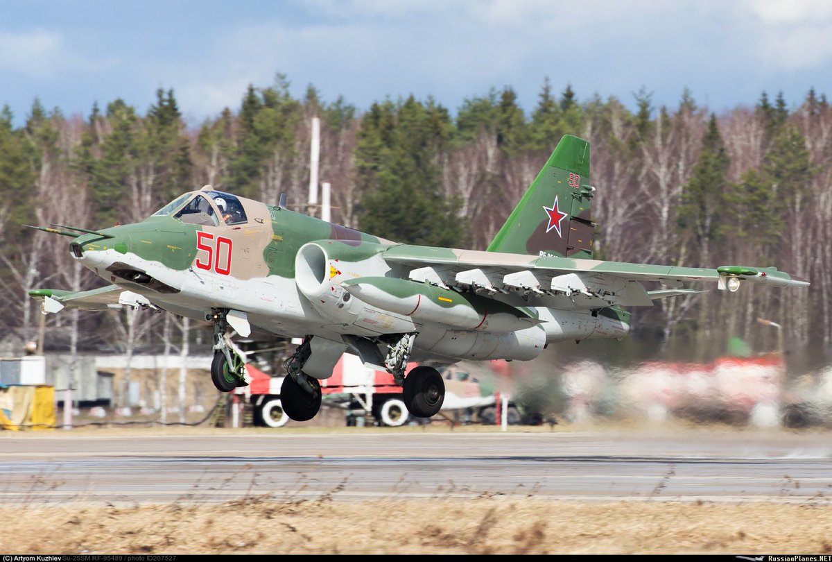 تعرف على النسخه الاحدث من مقاتلات Su-25 ..........المقاتله Su-25 SM3 C9eBUb9WsAQ5H2p