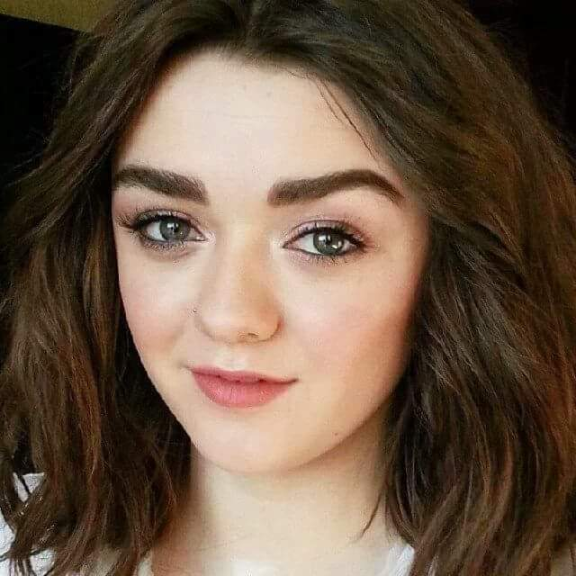 A girl is 20 years old. Happy birthday Maisie Williams