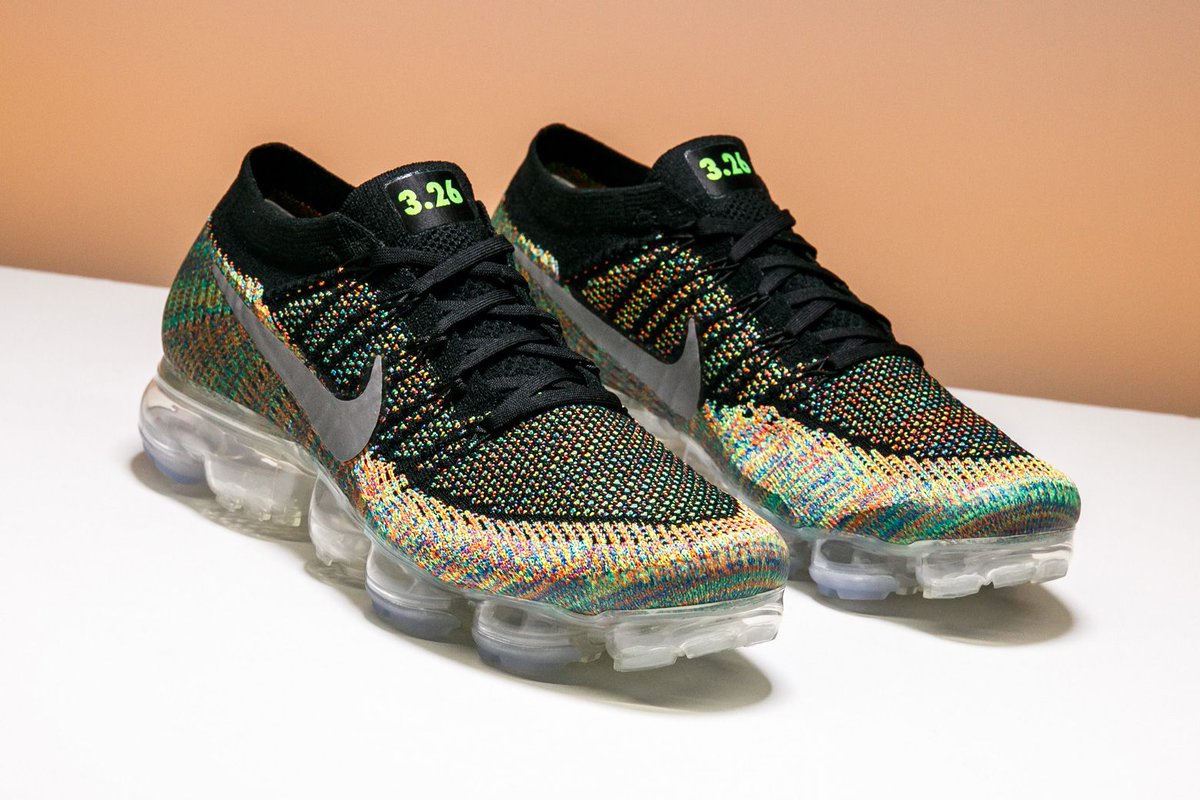 Air Max Day 2017 brought us this multicolor pair of the Nike Air VaporMax iD.  http   buff.ly 2phCG2x  Nikepic.twitter.com fKPcoEQheI. 10 33 AM - 15 Apr  2017 d8a8afbe8