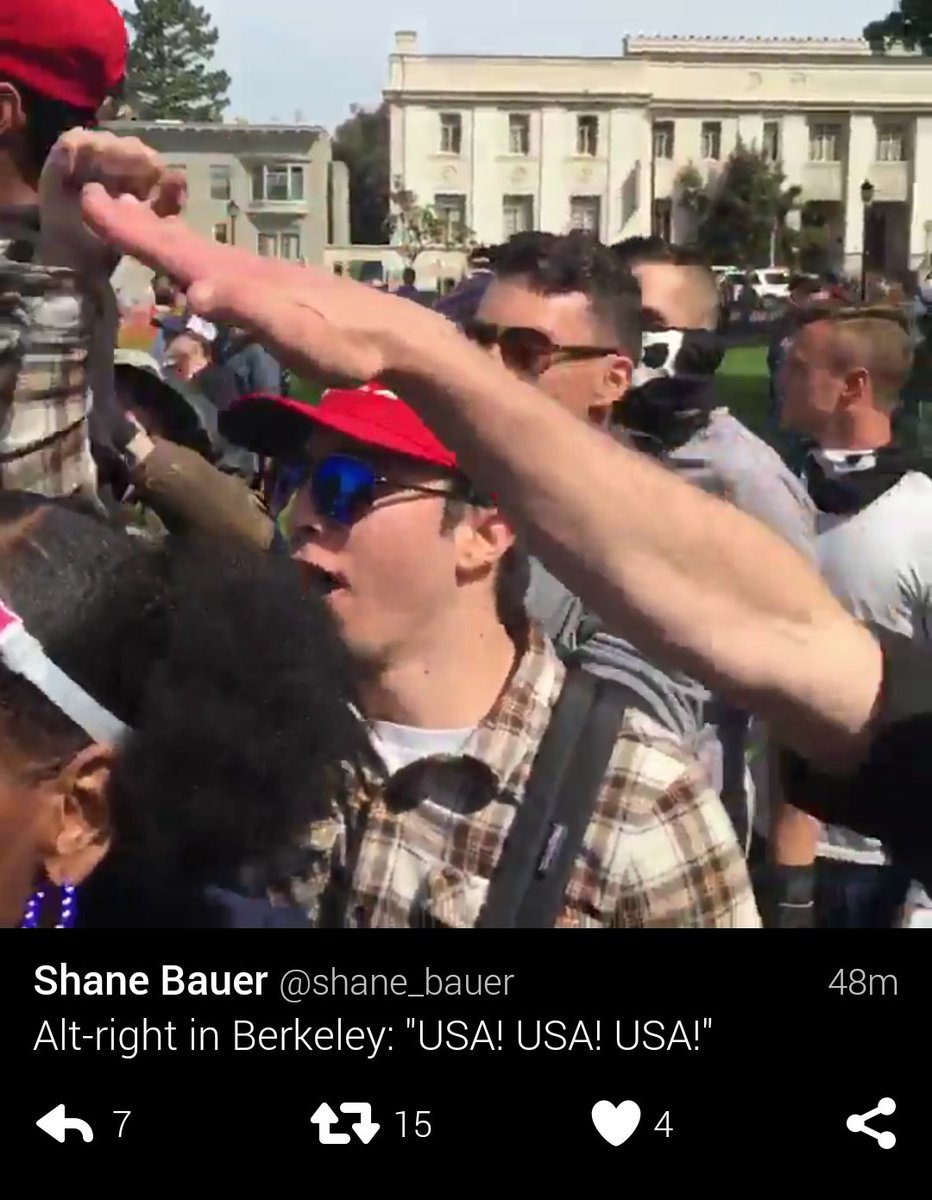Pro-Trump nazi salute in Berkeley, USA