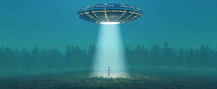 Mondo UFO Alieni: donna rapita dagli extraterrestri, dal vivo