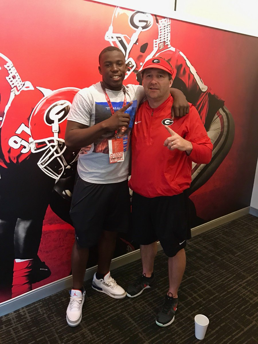 C/O 2019 DB Cortez Andrews with Georgia Head Coach Kirby Smart (Photo from Cortez Andrews/Twitter)