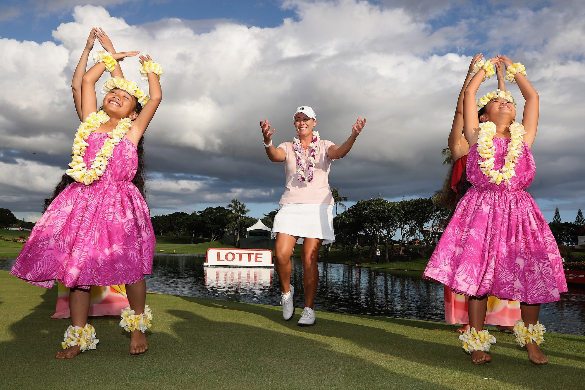 Hula time!  Thank you @LPGALOTTE for another great event! Looking forward to the next 3 years! Mahalo! https://t.co/xXg3j26Hjp