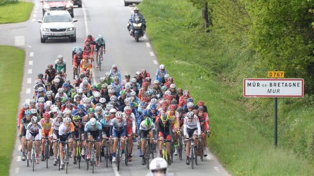 Pontivy attend impatiemment son #Tour... de #Bretagne, le 30 avril #Pontivy @ouestfrance  https://www. ouest-france.fr/bretagne/ponti vy-56300/pontivy-attend-impatiemment-son-tour-de-bretagne-le-30-avril-4929385  … pic.twitter.com/3s3Zdz37Pc