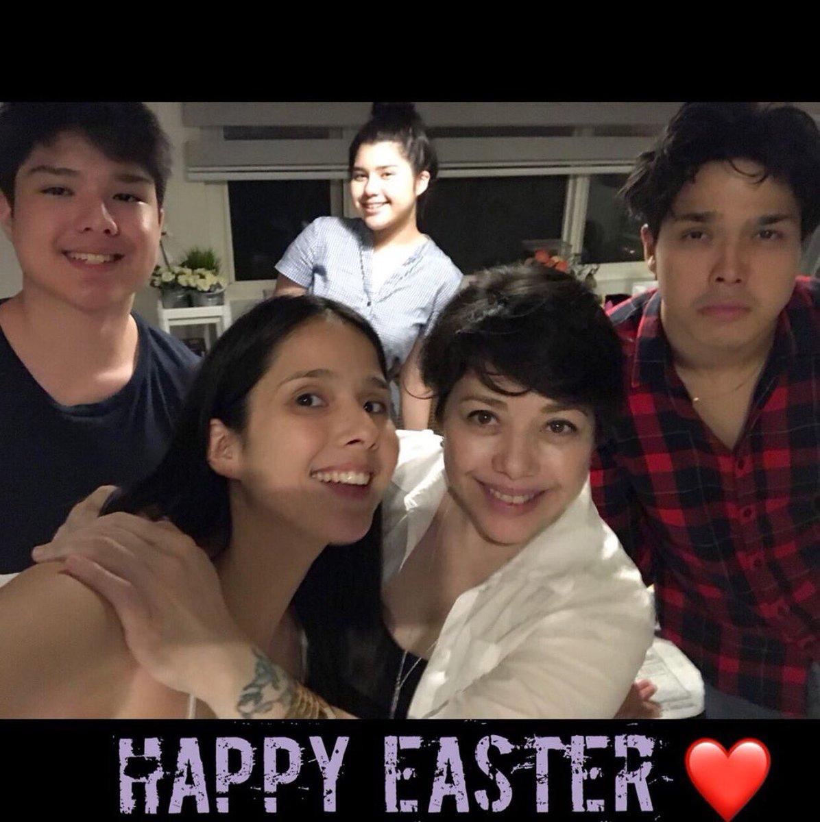 Happy Easter  everyone  From #Magalona family   @LucianoArkin @claramags @maxenemagalona @SuperElmo  © ms. @piamagalonapic.twitter.com/gzXqXDtz8X