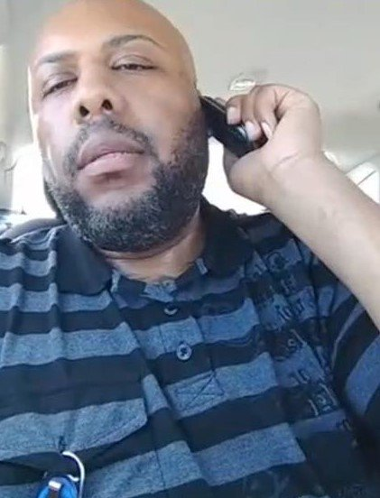 #BREAKING: Police are looking for this man, accused of broadcasting the fatal shooting of a man on Facebook Live. https://t.co/qtcR18pV2P