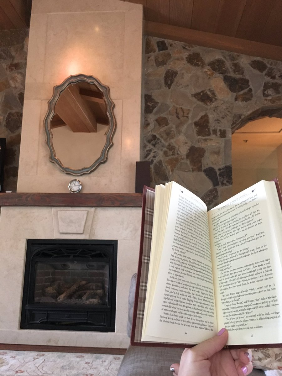 A book, a fireplace, a rainy afternoon - what more could I ask for this #Easter Sunday? #writerslife #amreading #booklove #bibliophile