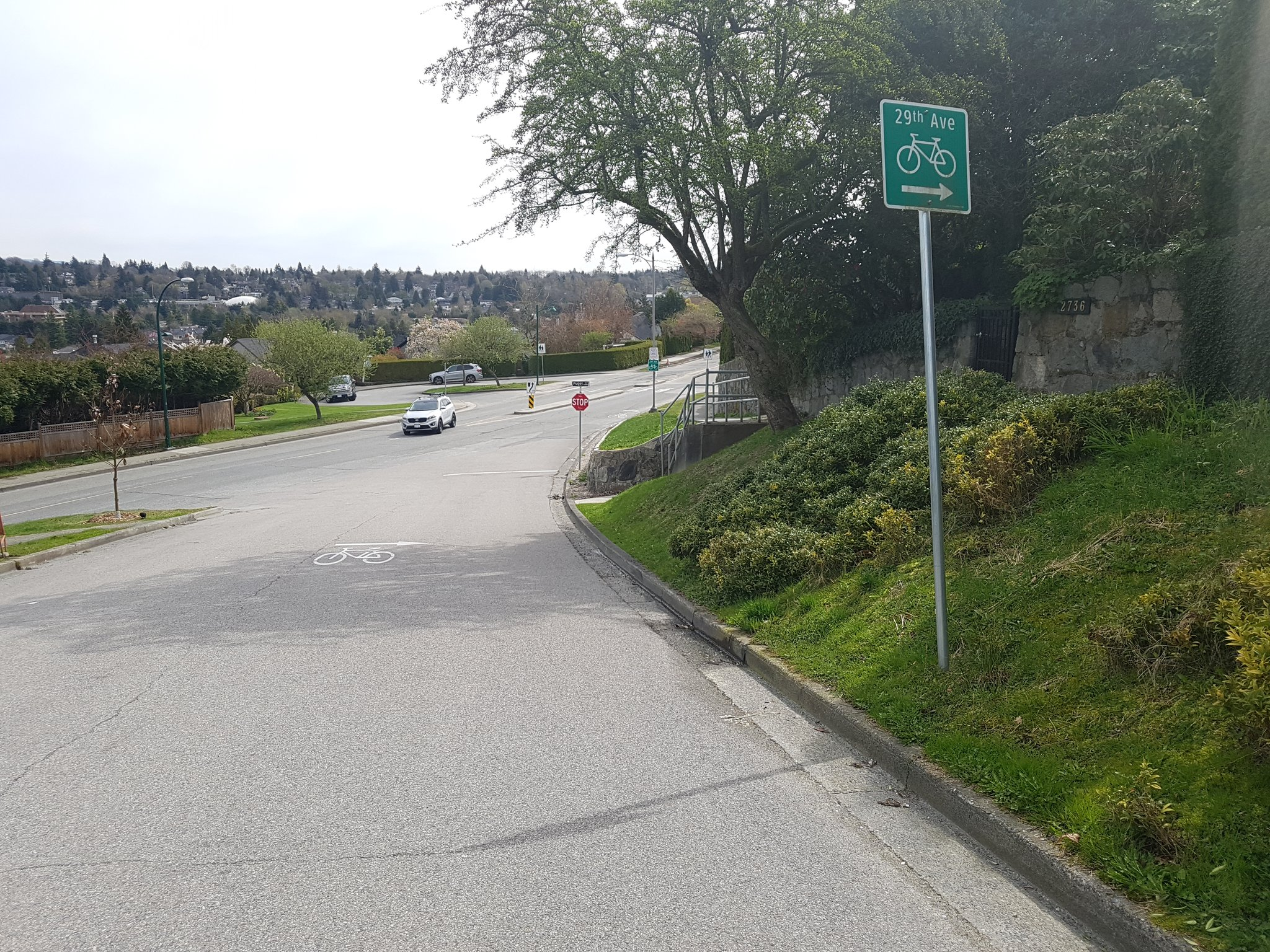 Combined with direction signs and on-road arrows #yyjbike https://t.co/FSCGHCfibP