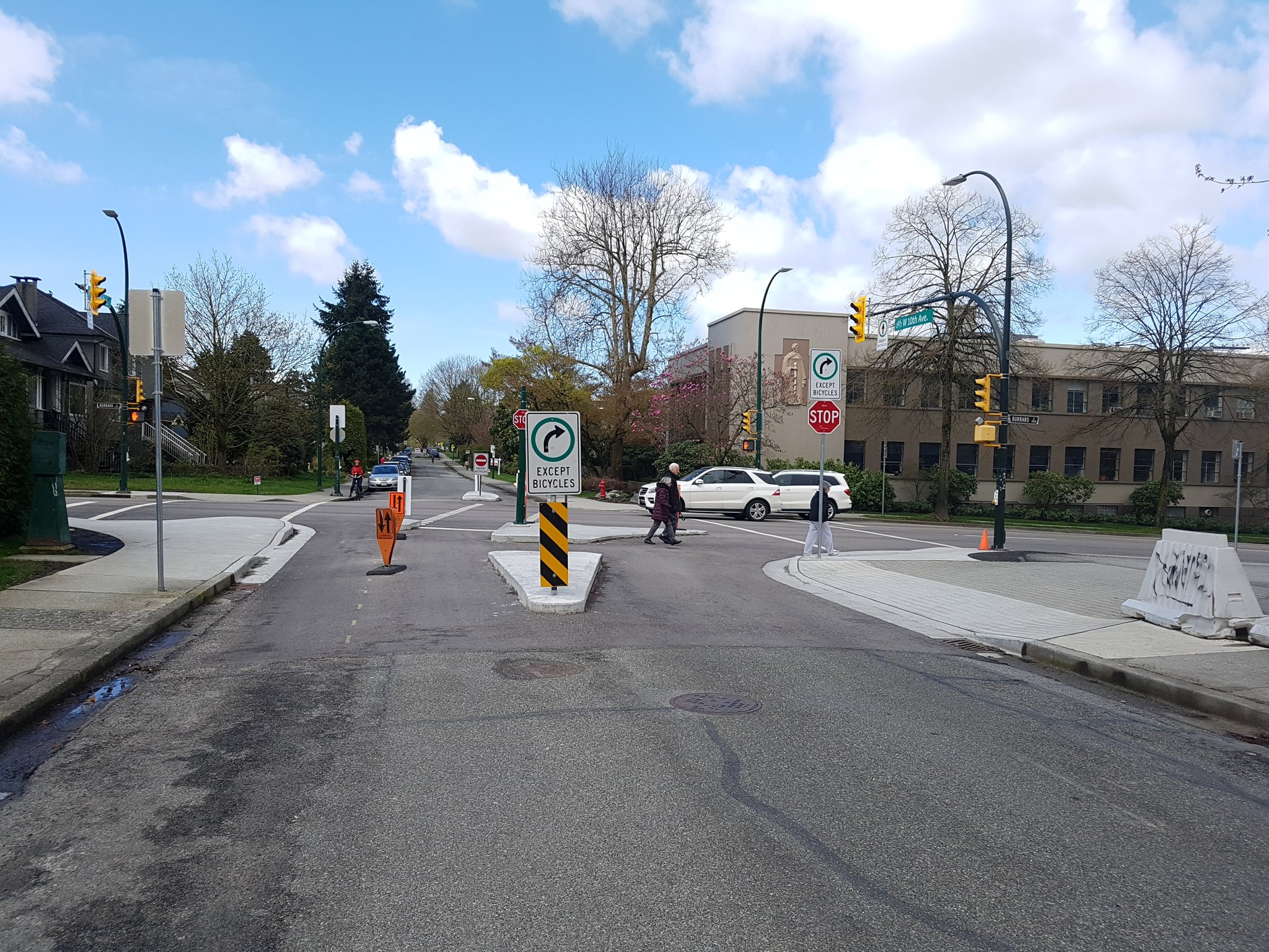 Lots of small spot improvements to lower the number of cars using the greenways, some of which are new #yyjbike https://t.co/vMuB5S9FJG