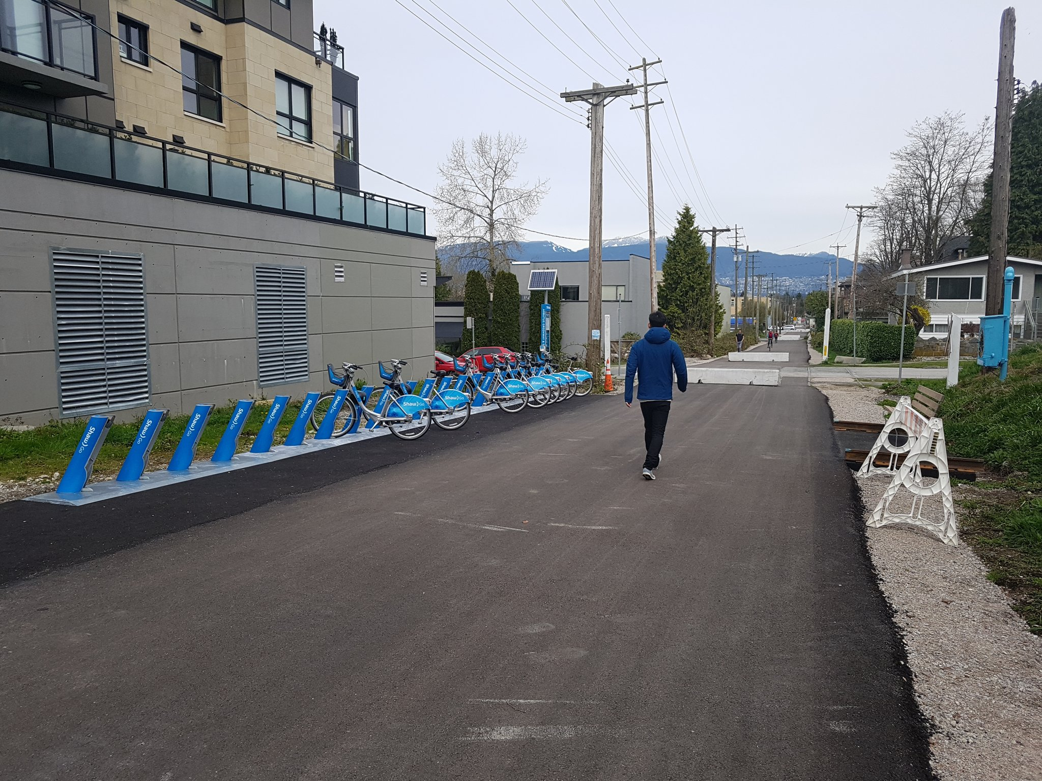 Although only sort of open, you can already rent Mobi #yyjbike https://t.co/oKr6wgBoRJ