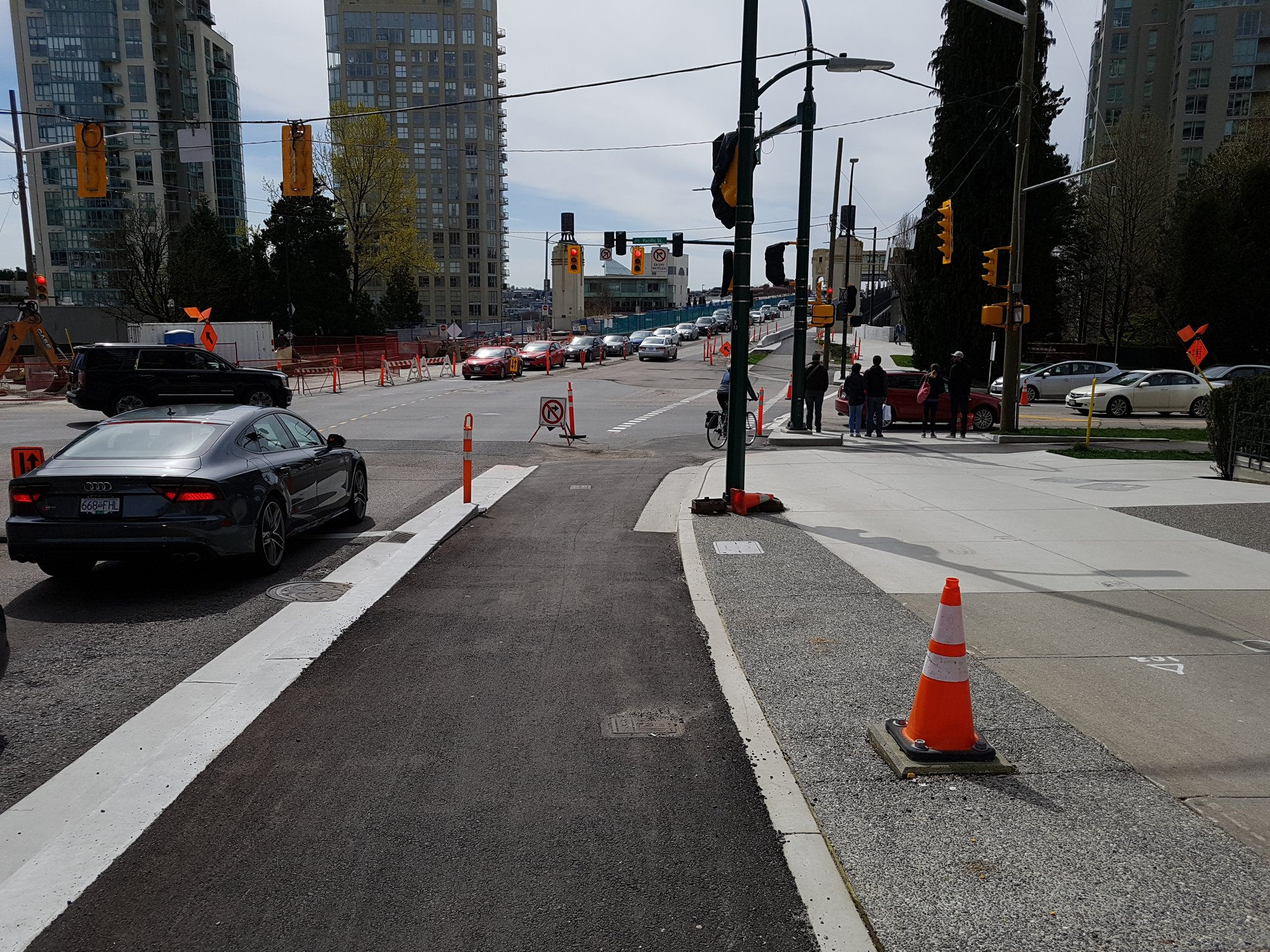 And looking south over the Burrard Bridge, the beginnings on a protected intersection #yyjbike https://t.co/3UrDBn7mSo
