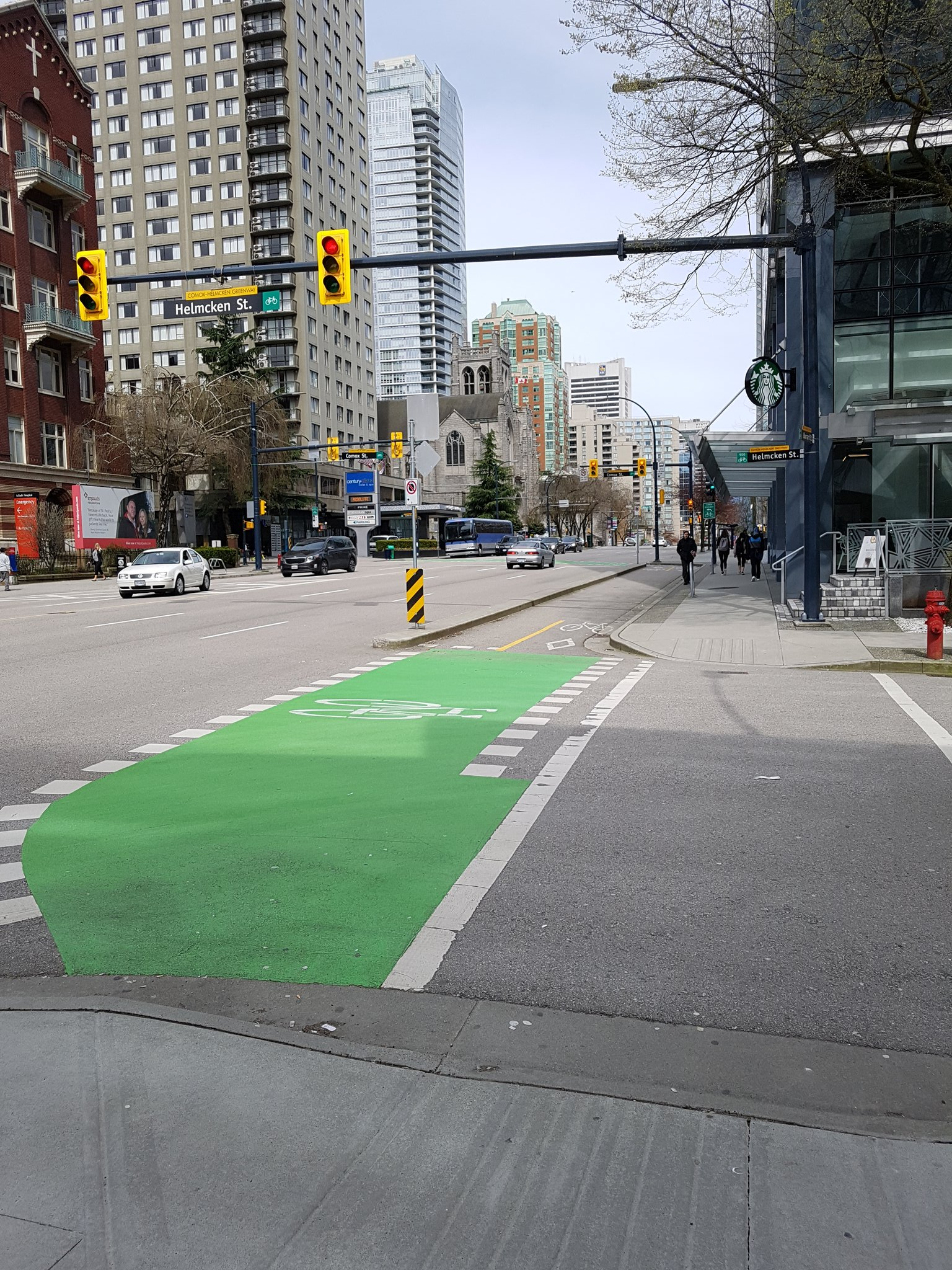 .@Musettecaffe Further north, the Comox-Helmcken Greenway jogs one block on Burrard & this short lane + light provide a AAA connection #yyjbike https://t.co/xJhKStHNCA