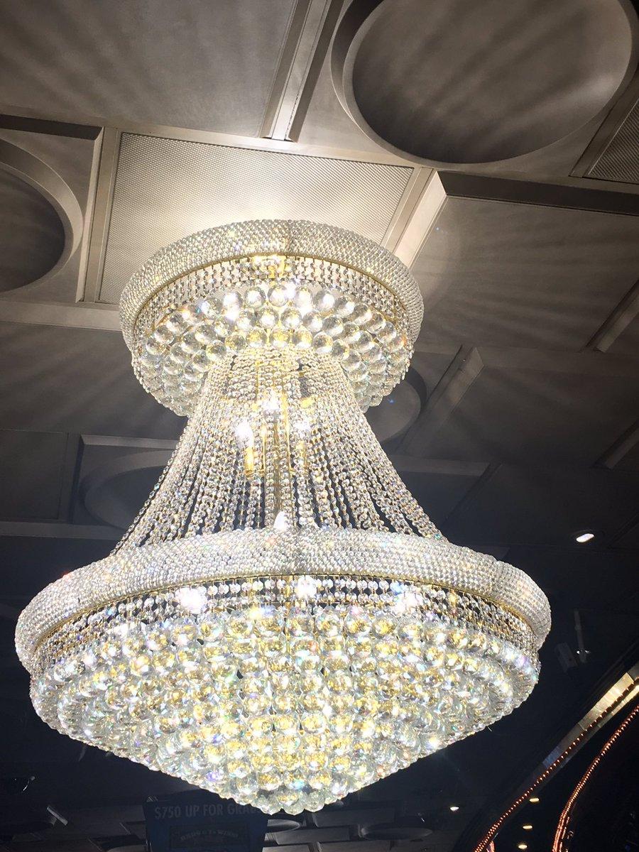 Jonathan jossel on twitter the lights are bright plazalasvegas jonathan jossel on twitter the lights are bright plazalasvegas chandelier vegas dtlv arubaitofo Gallery